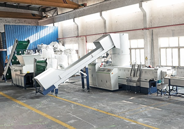 China – PET Chemical Fiber Granulator Machine and Fiber Shredder Machine